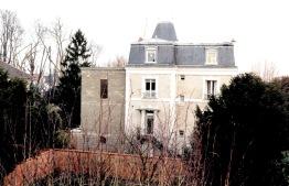 En cours de construction, façade sur le jardin