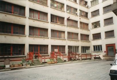 Les accès sur la première cour avant travaux