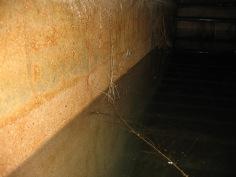 Intérieur de la citerne sous la chambre