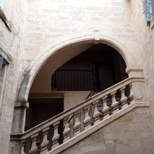 La cour classée au titre des bâtiments historiques